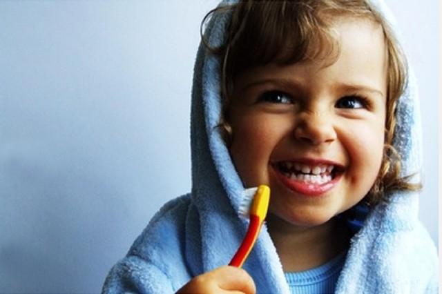 Маленькие детки и их маленькие зубки